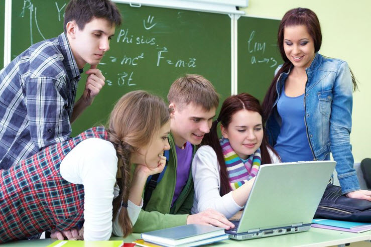 Students watching online sessoin